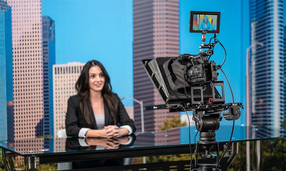 A Guide To Buying a Teleprompter