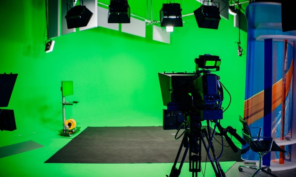 Why a Teleprompter Is Useful for Live Streaming